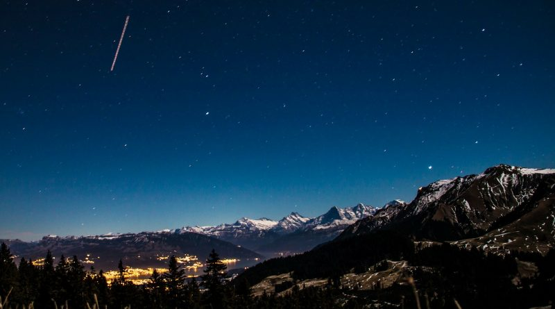 How eclipse road-trippers can see shooting stars this weekend