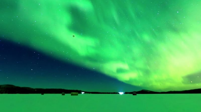 Alaska photographer captures 'super blue blood moon' against Northern Lights